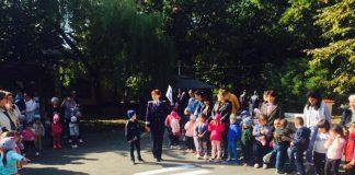 Preşcolarii le-au amintit adulţilor regulile privind traversarea străzii