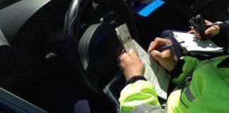 Minor depistat de polițiști la volanul unui vehicul pe un drum comunal din Frecăței