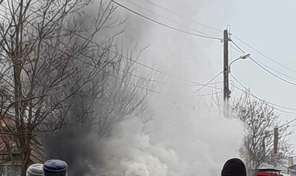 O mașină a luat foc în mers în comuna Viziru