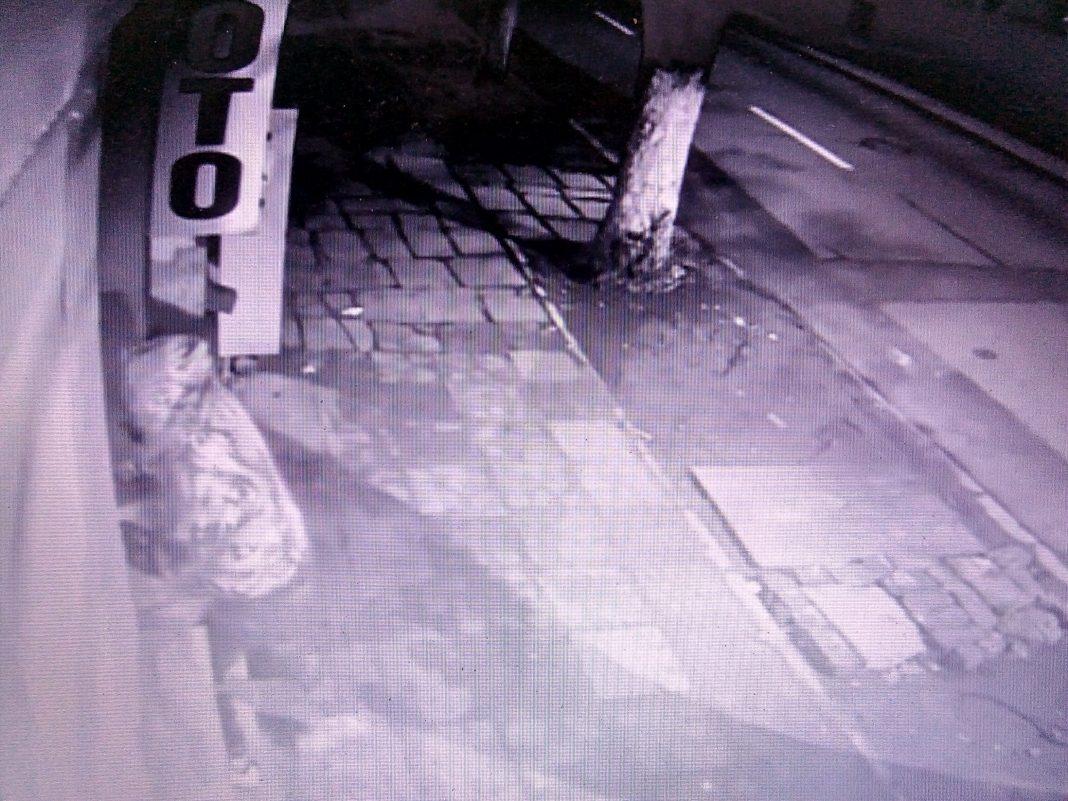 Tentativa de furt surprinsa de camerele de supraveghere