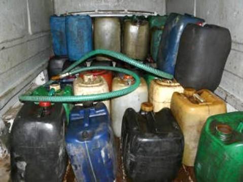 """Doi brăileni depistați de polițiști cu 680 de litri de motorină cumpărată """"la negru"""""""
