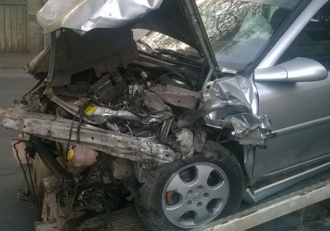 Trei persoane rănite într-un accident pe DN 2B