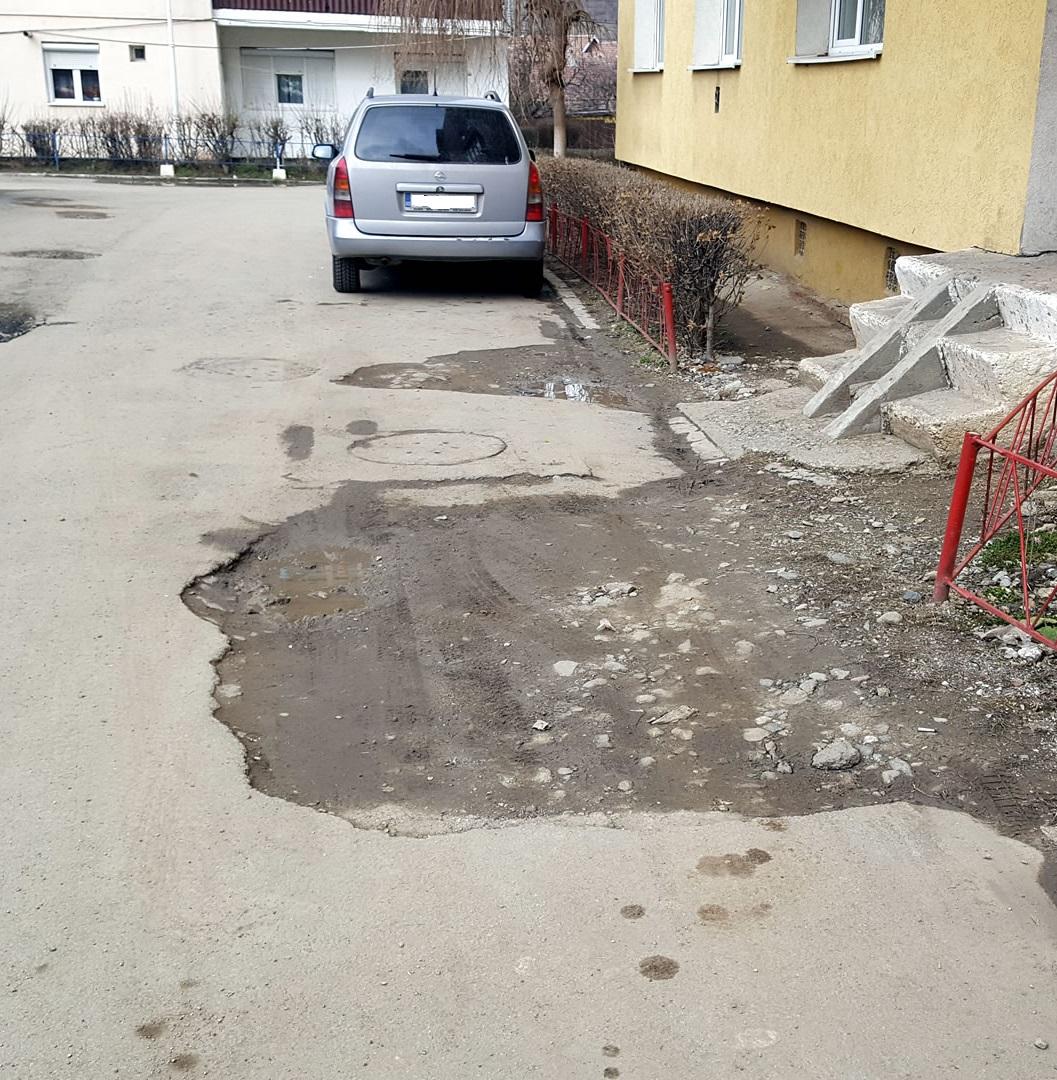 SDEE Brăila amendată de Poliția Locală pentru spargerea covorului asfaltic