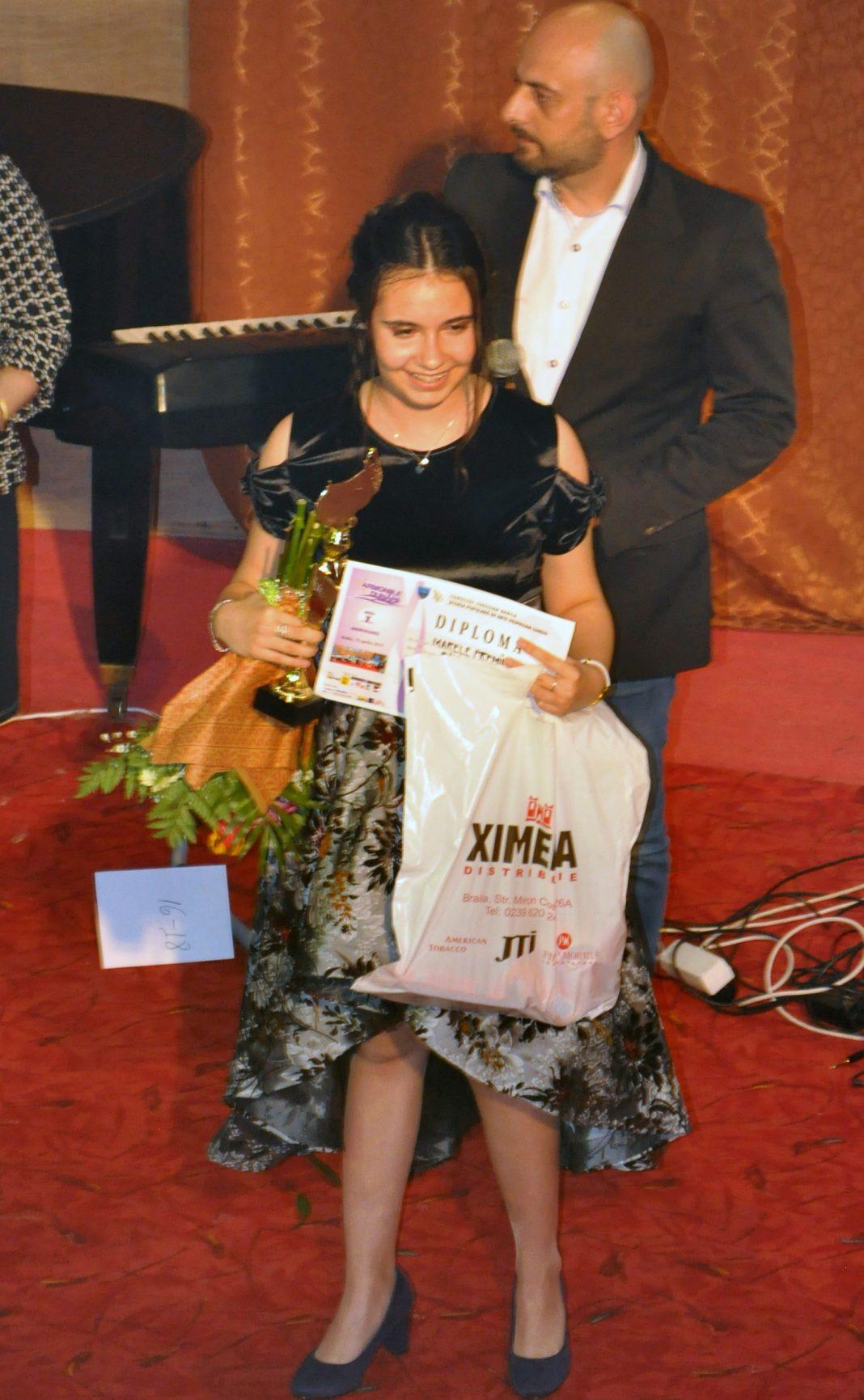 """Marele premiu și Trofeul concursului """"Armoniile Dunării"""" câștigate de o brăileancă"""