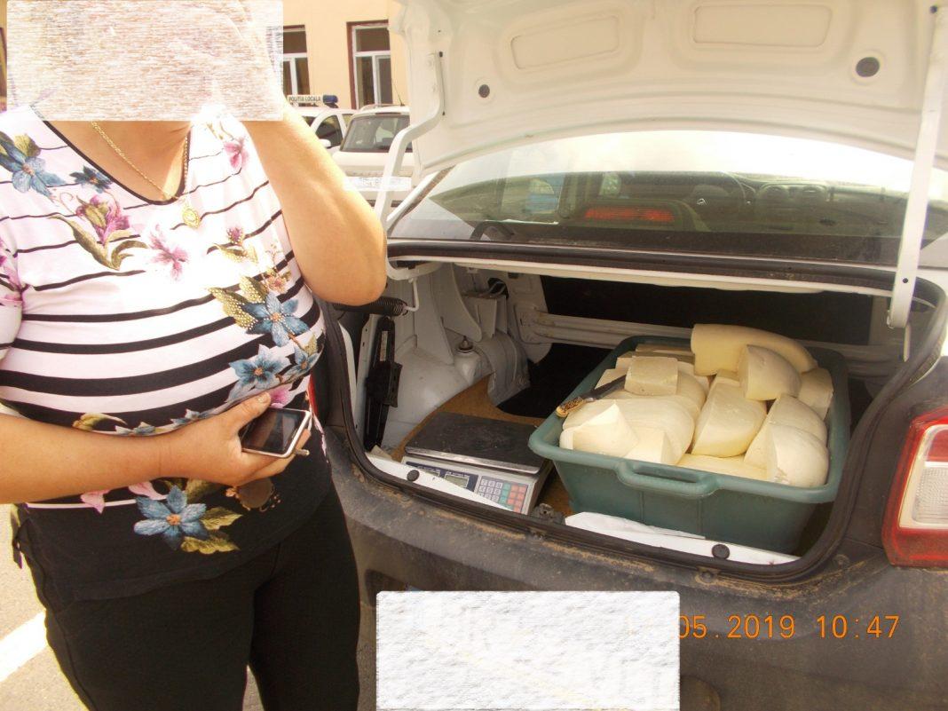 Depistată în timp ce comercializa brânză direct din mașină