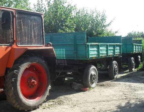 Minor de 10 ani la volanul unui tractor