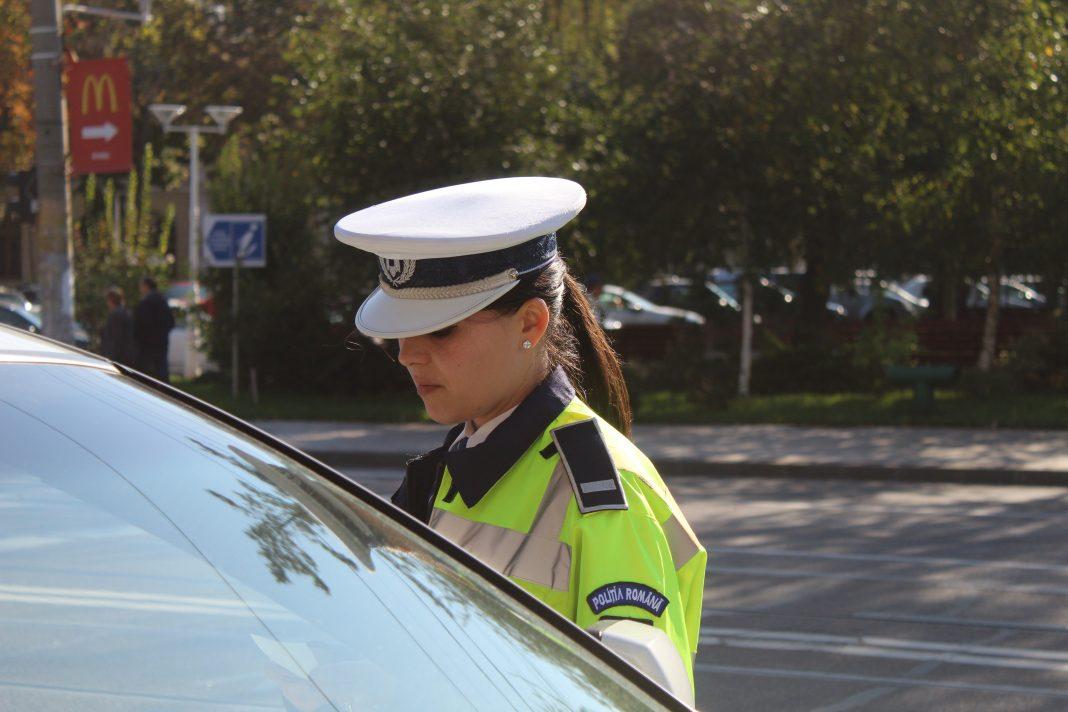 Campanie de informare a șoferilor privind folosirea telefoanelor mobile la volan