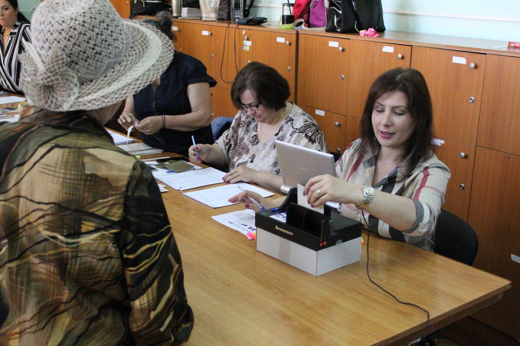 Au fost desemnați operatorii de calculator pentru alegerile din 10 noiembrie